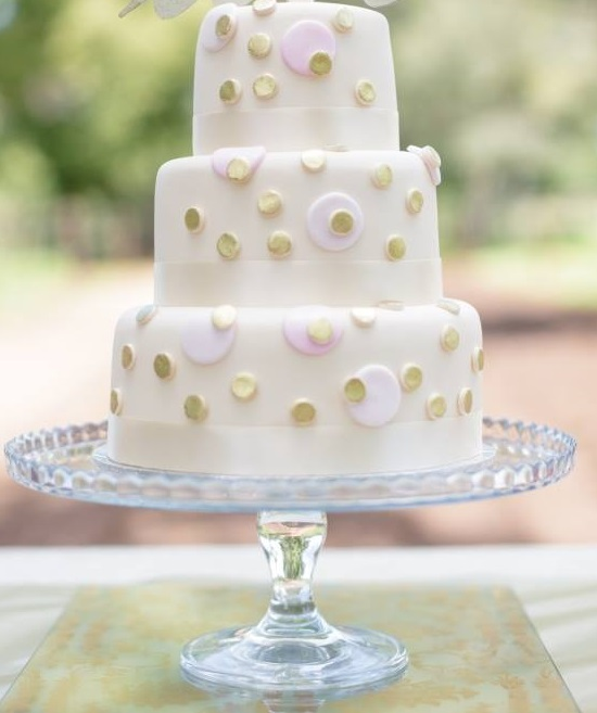 glass cake stand to hire