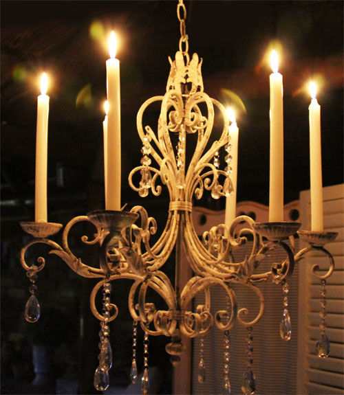 chandelier to hire